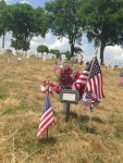 photo new grave decorated